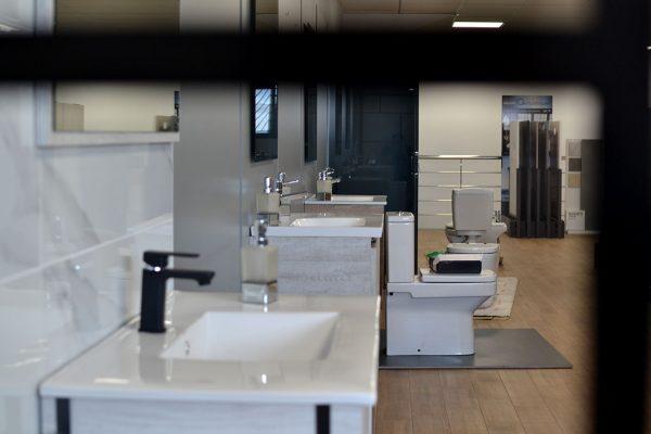 Baño exposición mobiliario